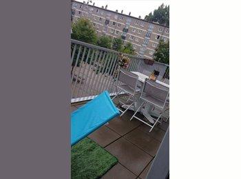 Appartager FR - Grande et jolie chambre meublée avec terrasse (location courte et longue durée), Amiens - 240 € /Mois