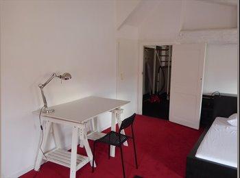 Appartager FR - Grand duplex centre ville, Perpignan - 450 € /Mois
