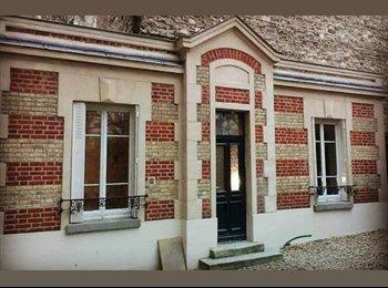 Chambre dispo dans maison à Boulogne