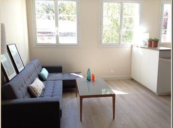 Appartager FR - Colocation 3 chambres doubles,  meublé, refait à neuf, Paris - Ile De France - 490 € /Mois
