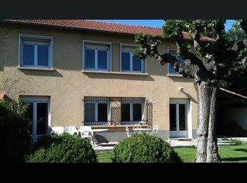 Appartager FR - 1 chambre dispo le 30/09/2016  dans T4 meublé, Avignon - 360 € /Mois