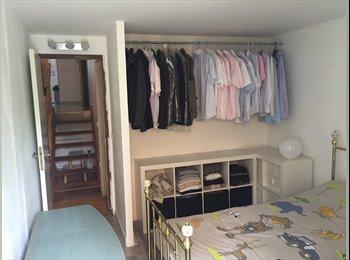 Une chambre meublée collocation sur Torcy