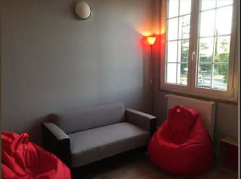 Appartager FR - Maison étudiante fraichement rénovée, Albi - 350 € /Mois