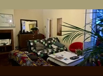 Appartager FR - Colocation dans grande maison aux Chartrons, Bordeaux - 445 € /Mois