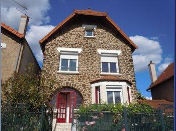 Appartager FR - LOUE CHAMBRE MEUBLEE+KITCHENETTE A CHAMPIGNY SUR MARNE PROCHE COMMODITES ET PARIS, Paris - Ile De France - 400 € /Mois