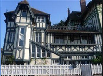 Appartager FR - Belle villa anglonormande a coté plage et casino, Deauville - 500 € /Mois