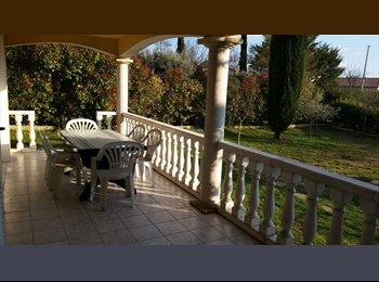 Appartager FR - Colocation dans villa., Alès - 300 € /Mois