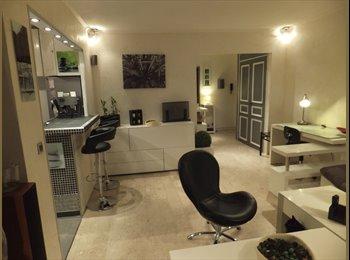 Appartager FR - Appartement 3 pièces, meublé refait à neuf, Villefranche-sur-Mer - 400 € /Mois