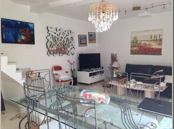Appartager FR - Chambre meublé dans pavillon , Nogent-sur-Marne - 740 € /Mois