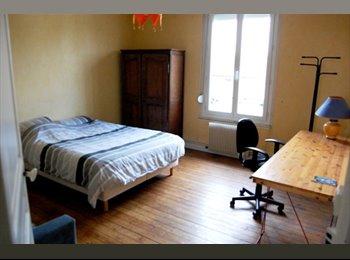 Appartager FR - Chambre meublée (20m2) proche gare et centre ville, Reims - 390 € /Mois