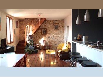 Appartager FR - Grande chambre dans duplex à 15 min de la Comédie , Montpellier - 420 € /Mois