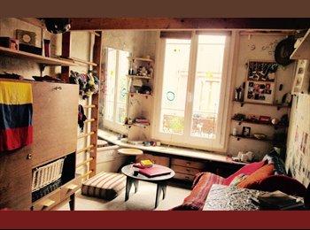 Chambre plein sud, confortablement meublée avec mezzanine.