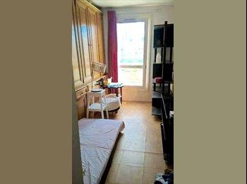loue chambre 13 m2 a 10 min NANTERRE