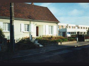 Appartager FR - Maison Orléans bien située étudiantecolocation, Orléans - 380 € /Mois