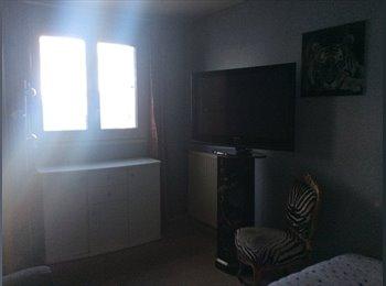 Chambre à louer dans grand appartement sur la Defense