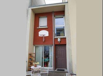 Chambre à louer dans une maison à Montreuil