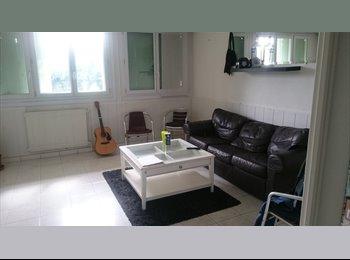 Appartager FR - cherche colocataire pour  1ch dans appartement de 70m2 quartier croix daurade, Toulouse - 330 € /Mois
