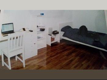 Appartager FR - APPARTEMENT 60 M2 VILLEJUIF CENTRE (8 minutes Métro)  (Fa°ce hôpital GIRAUD -)  Disponible 1 ER JANV, Villejuif - 1120 € /Mois