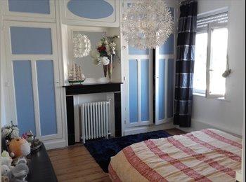 Appartager FR - colocation 6 chambres 2 salles de bain + jardin, Tourcoing - 350 € /Mois