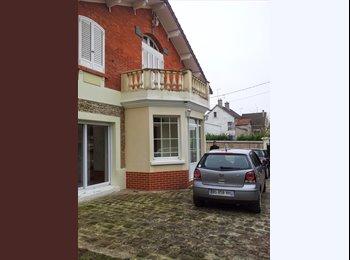 Appartager FR - chambre meublée dans grande maison, Nanteuil-lès-Meaux - 550 € /Mois