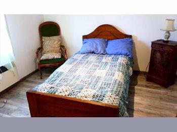 Chambre meublée  à CABRIES