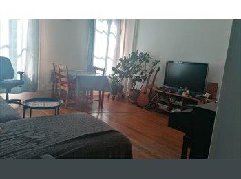 Appartager FR - Belle chambre lumineuse avec grand lit et bureau, 13ème Arrondissement - 600 € /Mois