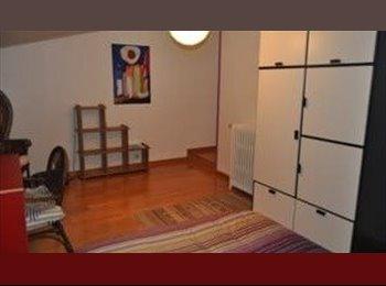 Appartager FR - jolie chambre dans maison spacieuse et accueillante, Peltre - 380 € /Mois