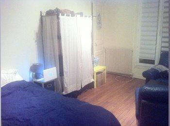 Appartager FR - Grande chambre à Guy Moquet, 17ème Arrondissement - 750 € /Mois