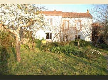 Appartager FR - Chambre dans la coloc de la Tontonnière, Saint-Herblain - 285 € /Mois