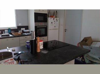Appartager FR - Propose colocation maison individuelle, Lafrançaise - 400 € /Mois