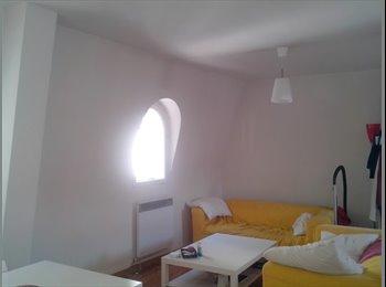 Chambre simple dans colocation