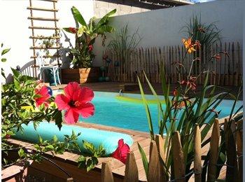 Maison 110 m carrés avec piscine  sur 200 m carrés de...
