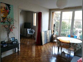 chambre dans un appartement de 65m2 à 5min de la gare