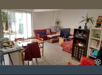 Appartager FR - Chambre dans colocation 5 personnes, Béziers - 350 € /Mois