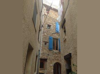 Appartager FR - Jolie Maison avec terrasse sur le toit, Caux - 250 € /Mois
