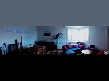 Appartager FR - Grande maison sur le campus, Poitiers - 275 € /Mois