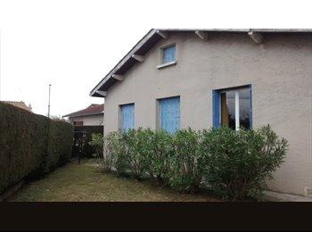Appartager FR - Une chambre meublee a louer, dans une maison au calme, Romans-sur-Isère - 470 € /Mois