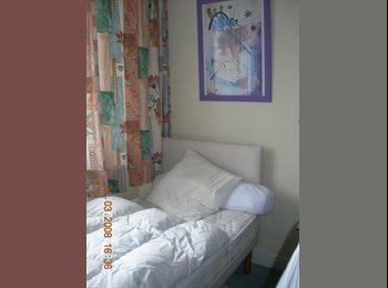 Appartager FR - chambre pour etudiante ou stagiaire  A Echirolles, Seyssins - 450 € /Mois