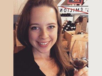 Emily - 27 - Etudiant