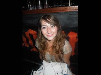 Anna  - 23 - Etudiant(s)