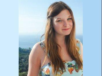 Laura - 21 - Etudiant(s)