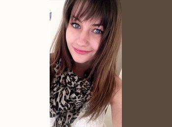 Claire - 22 - Etudiant(s)