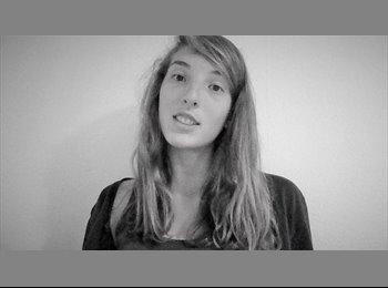 charlotte - 19 - Etudiant(s)