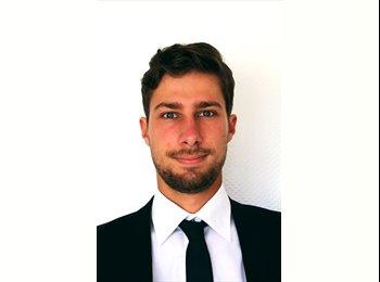 Nicolas - 22 - Etudiant(s)