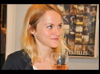 Anastasia - 23 - Etudiant