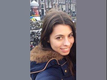 Alexandra - 20 - Etudiant(s)