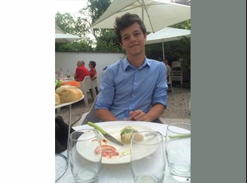 Julien - 18 - Etudiant