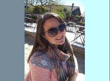 Alexandra - 27 - Etudiant