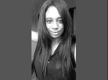 Emmanuelle  - 18 - Etudiant(s)