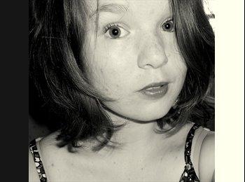 Chloe - 18 - Etudiant(s)
